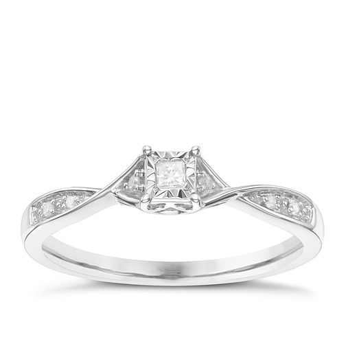 9 Carat White Gold Diamond Set Shoulder Solitaire Ring - Product number 8079919