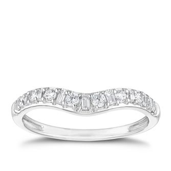18ct White Gold 1/4ct Round & Baguette Diamond Ring - Product number 2930021