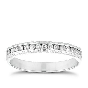18ct White Gold 0.15ct Diamond Ridged Edge Ring - Product number 2932989