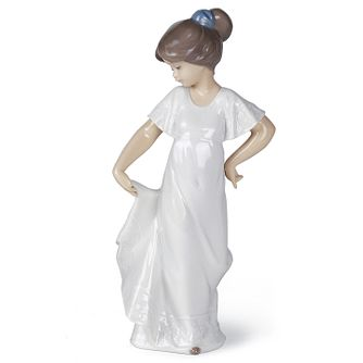 Nao Porcelain How Pretty Figurine - Product number 5209501