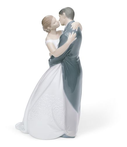 Nao Porcelain A Kiss Forever Figurine - Product number 5209528