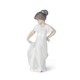 Nao Porcelain How Pretty Figurine - Product number 8194238