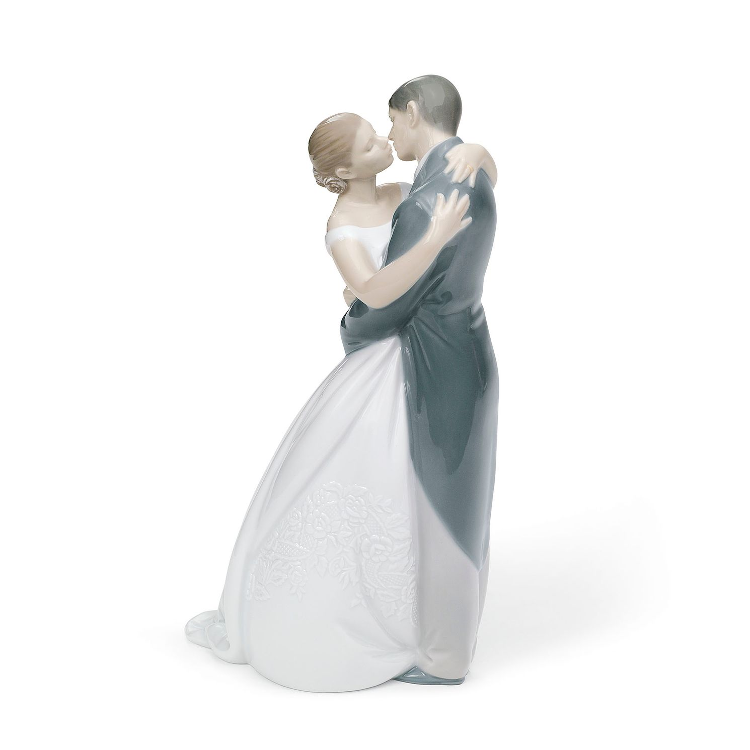 Nao Porcelain A Kiss Forever Figurine - Product number 8194416